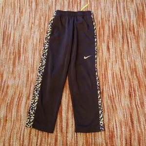 Boys Nike therma fit athletic pants joggers s 6